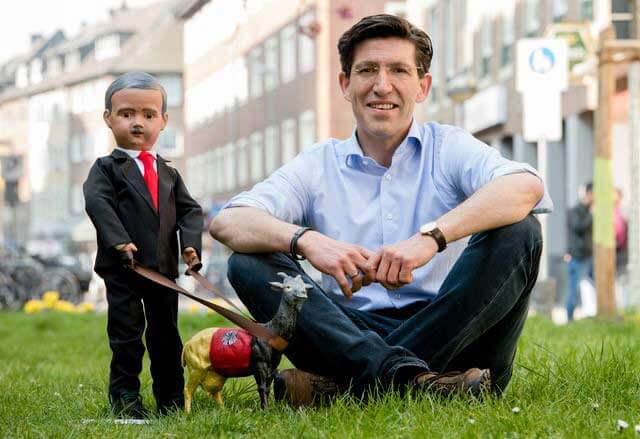 """""""Neusser Puppendoktor baut Erdogan-Puppe"""" die Rheinische Post berichtet"""